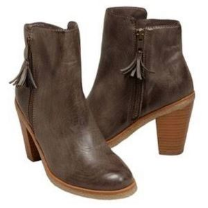 NWOT American Eagle Outfitters Boho Ankle Boots Size US 36 Tan Vegan Leather